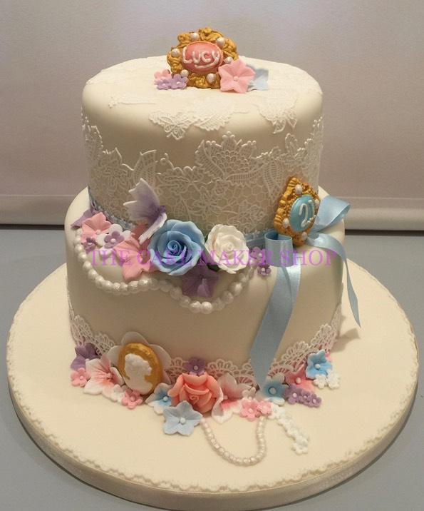 Birthday Cake Images Maker : B572 THE CAKE MAKER SHOP